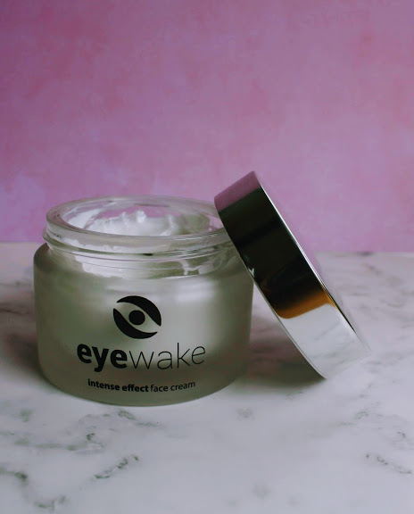 wake face cream
